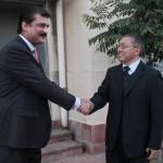 Dr Shahzad Waseem Advisor to Chairman Pakistan Tehreek-e-Insaf Imran Khan welcoming #CPC delegation.