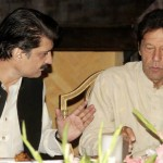 Dr Shahzad Waseem in discussion with Chairman PTI Imran Khan (official)
