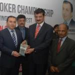 President IBSA, Dr Shahzad Waseem presenting souvenir to Chief guest H.E. Mr. Dashgin Shikarov,Ambassador of Azerbaijan to Pakistan.