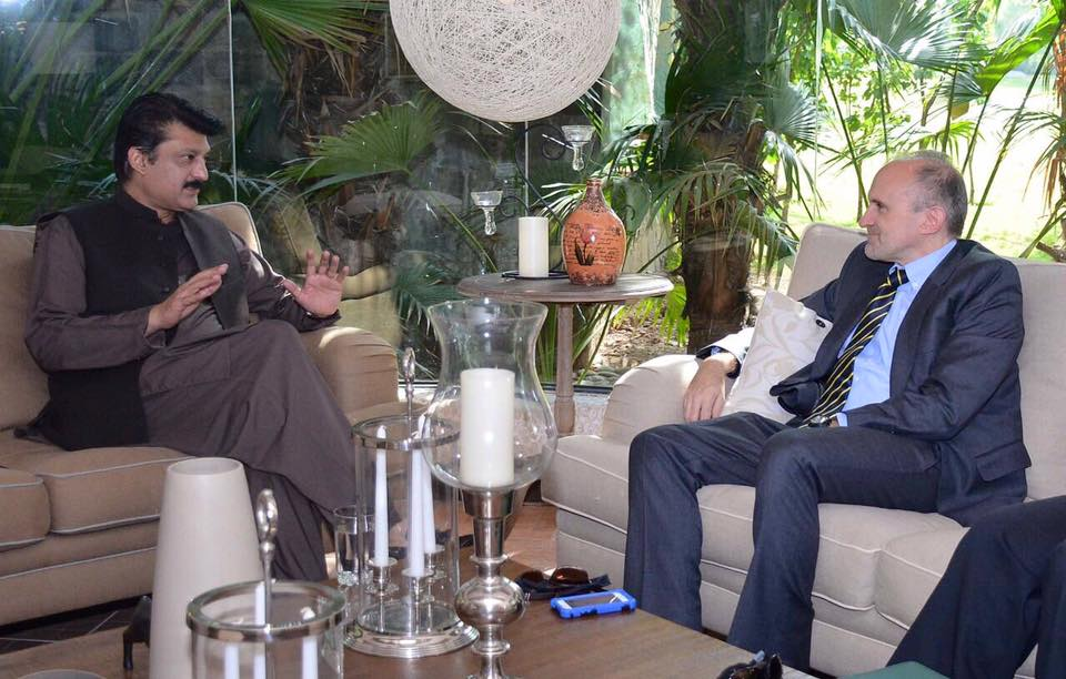 Dr Shahzad Waseem received USA Political Councellor Ian McCary, discussed current political scenario & PTI March Against Panama Corruption