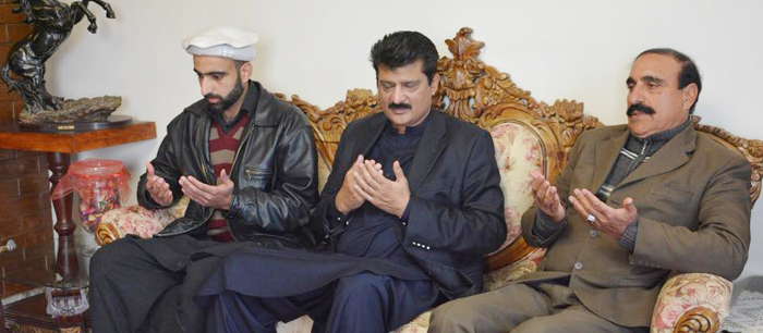Dr Shahzad Waseem visited ISF leader Sibtain Satti to express condolence on the death of his uncle - 01 - F