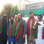Team IKL (Imran Khan Lovers Islamabad) of Dr Shahzad Waseem present in Lahore to support and motivate voters for #BalleyPeThappa